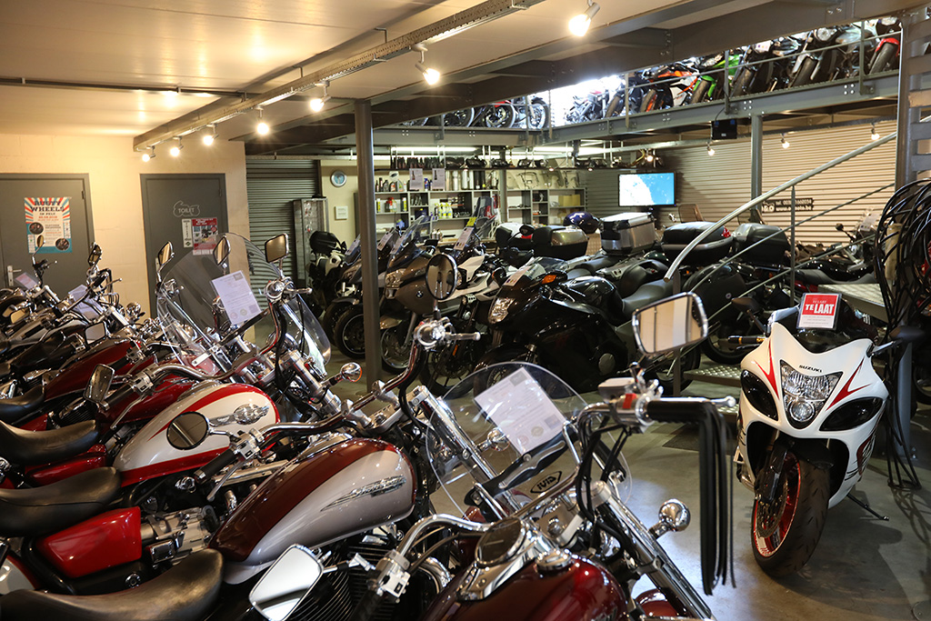 Showroom tweedehands motoren